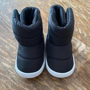 Native Chamonix baby winter boots size 2